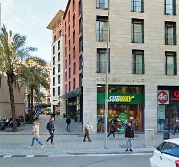 Bag stolen in Barcelona cafe