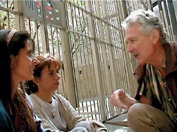 Bob Arno interviews pickpocket beggars Nazira (left) and Gamila