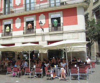 Smartphone theft: Cava La Universal in Barcelona