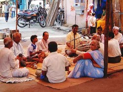 Musicians in Colaba, a Bombay neighborhood