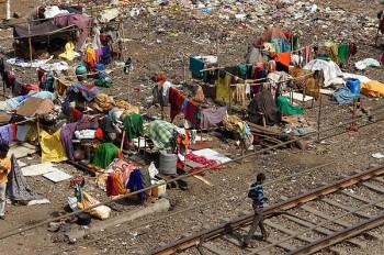 In a Mumbai slum: A Dharavi laundryworks?