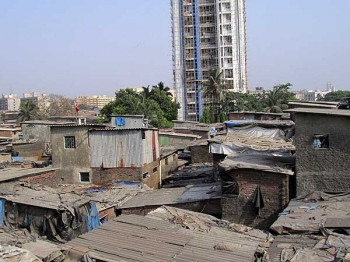 In a Mumbai slum: From a Dharavi rooftop