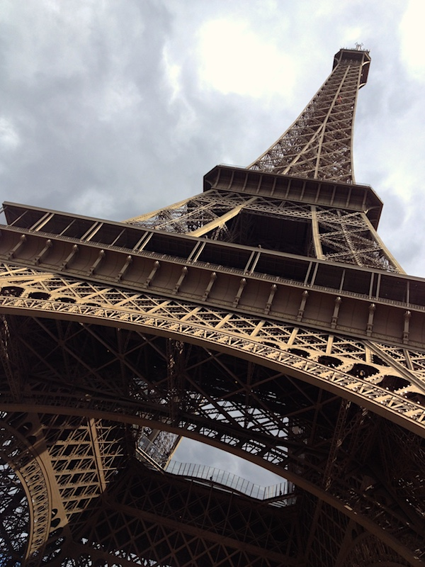 Eiffel Tower, Chinese tourists to Paris