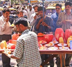 Mumbai fruitwalla near Victoria Station