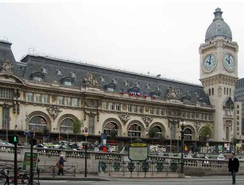 Gare de Lyon train station, Paris; Pickpockets in Paris
