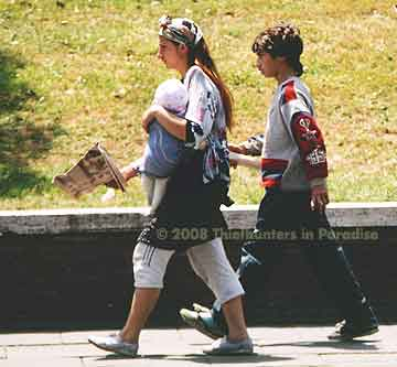 Two teenage pickpockets in Rome