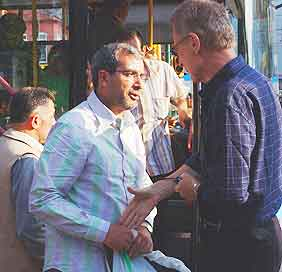 With no common language, Bob Arno's interrogation of this pickpocket in Istanbul did not go far.