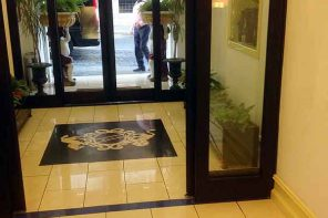 Hotel lobby luggage theft; hotel lobby bag theft
