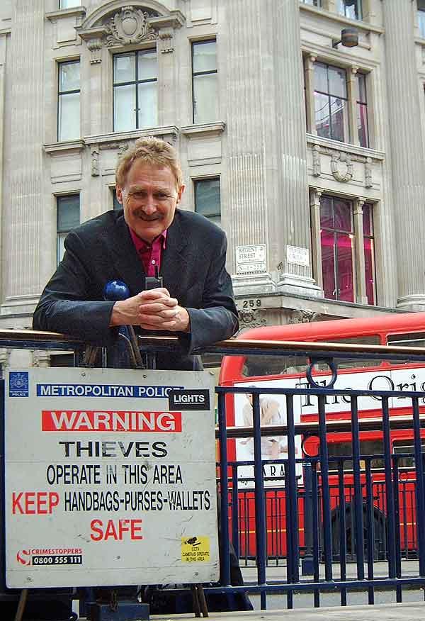 London smartphone theft bust