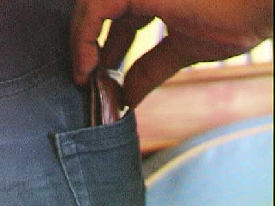 how pickpockets work. Luciano's fingers