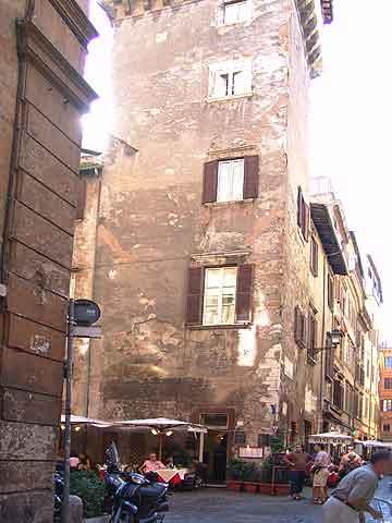Street crime in Rome