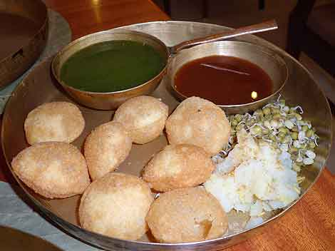 Eating Mumbai: Delicious do-it-yourself panipuri at the upscale restaurant Soam, in Mumbai.