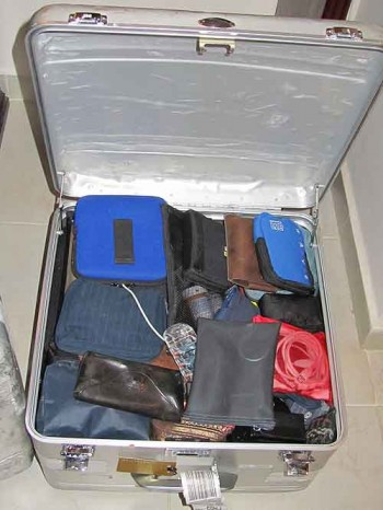 Packing tips. Halliburton cube