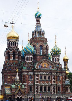 Pickpockets in St. Petersburg prowl around top tourist attractions. Church on the Spilled Blood: surrounding areas are swarming with thieves.